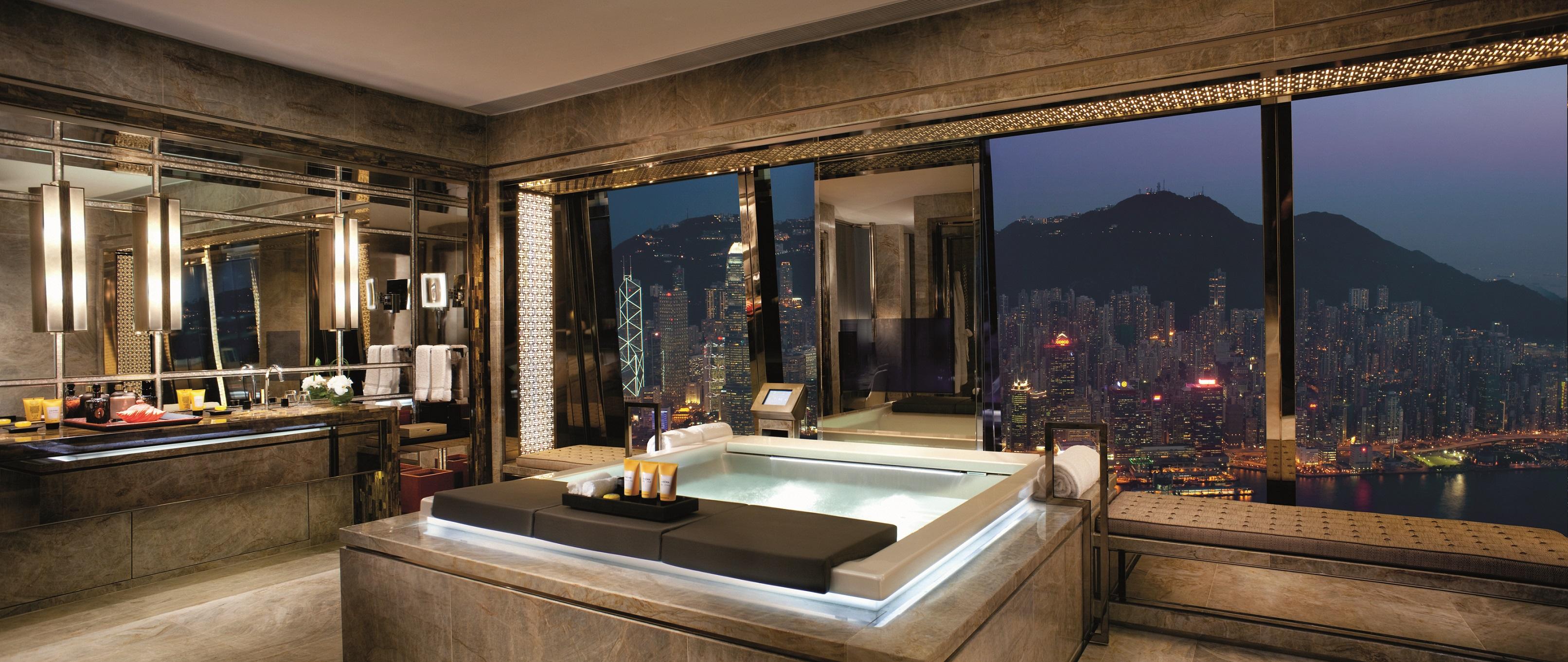 The-Ritz-Carlton-Suite-Victoria-Harbour-Bathroom-1